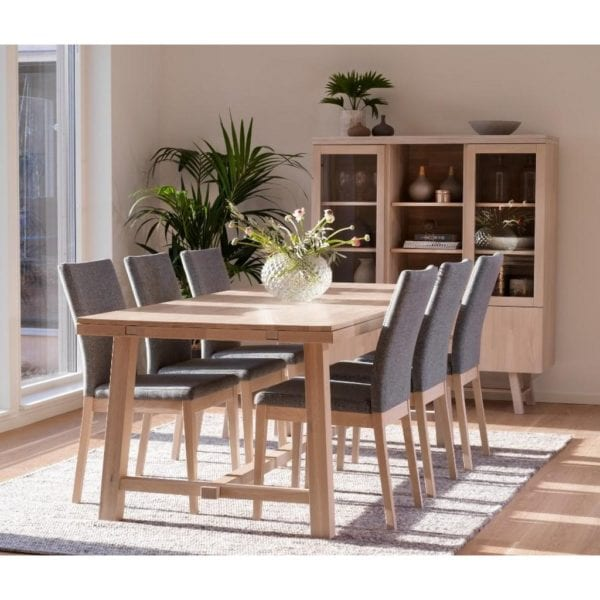 Bellingham Solid Oak Extendable Kitchen Dining Table in a Whitewash Finish - Available in a Choice of Sizes